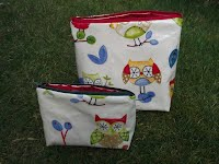 CM0218 and CM0219 Large Owls Design Cosmetic Bags