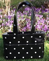 ED0205 Black Spotty Small Oilcloth Holdall