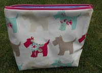 CM0234 Scottie Dogs Large Oilcloth