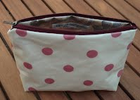 CM0260 Cream and Pink Spotty Small