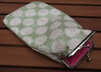 PS0100 Green Floral Glasses Case