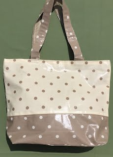 https://sites.google.com/a/handmadebymelinda.co.uk/handmadebymelinda/home/shop/bags/totes/tb0079-cream-and-ecru-spotty-tote