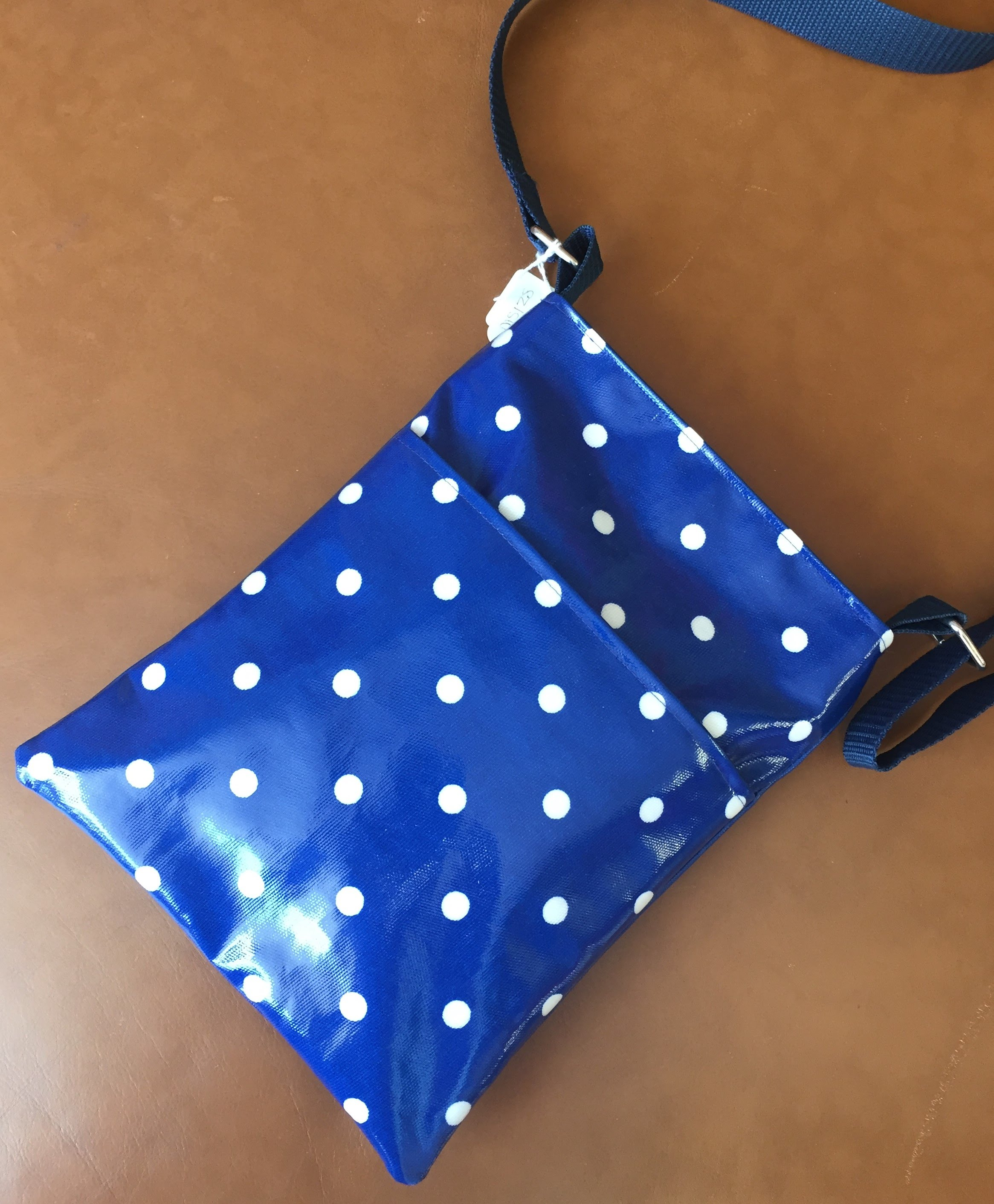 MS0128 Dark Blue Spotty Messenger